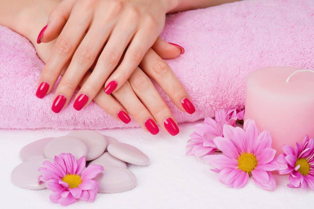 how to choose the right nail salon