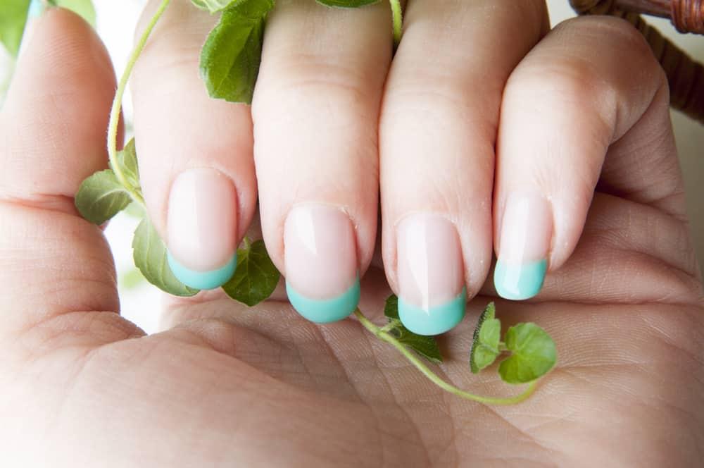 Fresh mint nails design